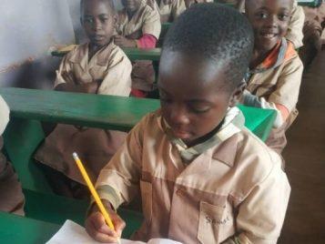 Edukacja chłopiec afryka